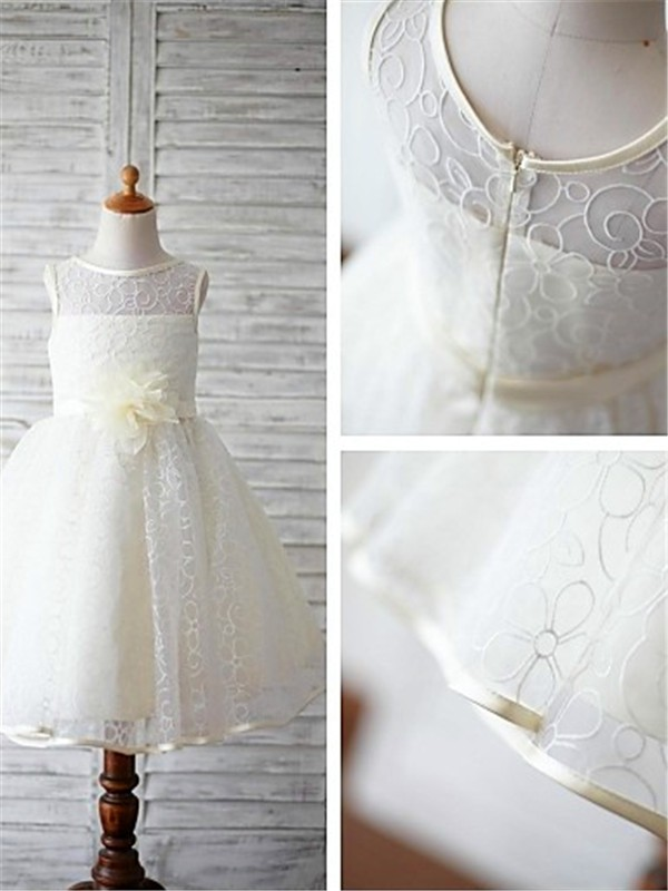 Ball Gown Scoop Hand-made Flower Floor-Length Flower Girl Dress with Lace