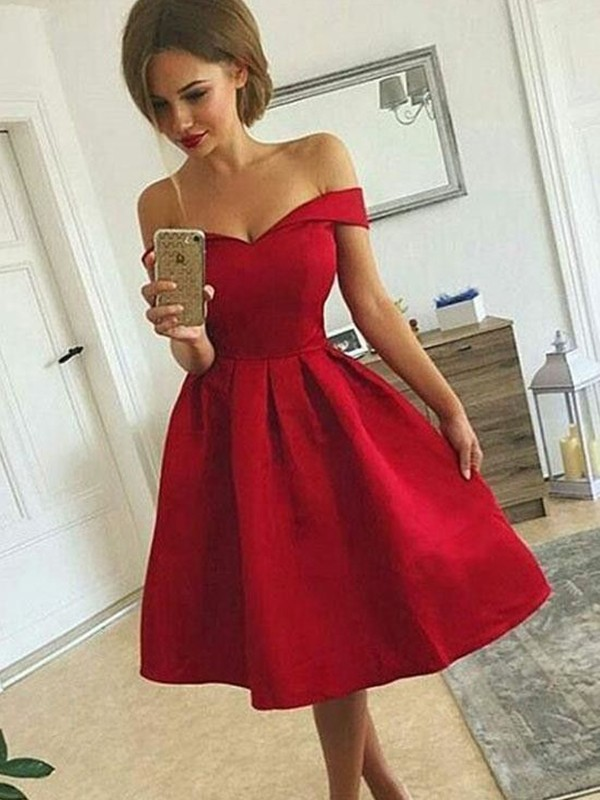 A-Line/Princess Satin Off-the-Shoulder Ruched Knee-length Dress