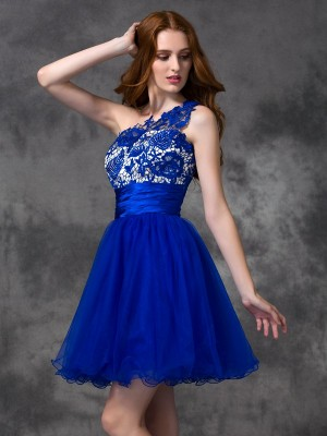 A-Line One-Shoulder Lace Sleeveless Short Satin Gown