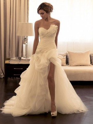 Ball Gown Organza Beading Sweetheart Sleeveless Sweep/Brush Train Bridal Dress