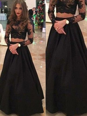 A-Line Long Sleeves Scoop Floor-Length Lace Formal Gown