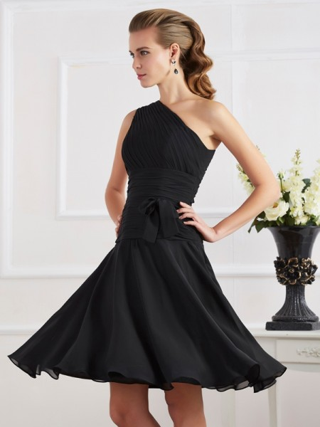 A Line Princess One Shoulder Knee Length Chiffon cocktail Gown
