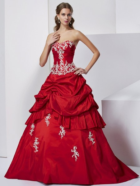 Ball Gown Sweetheart Applique Floor Length Beading Taffeta Gown