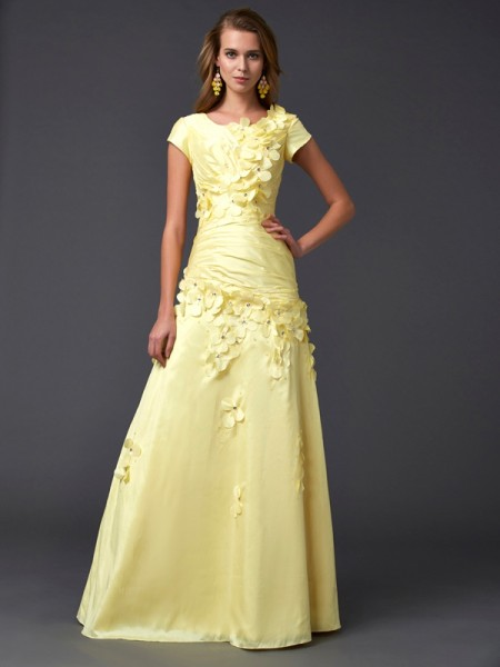 Column Short Sleeves Scoop Floor Length Taffeta Evening Gown