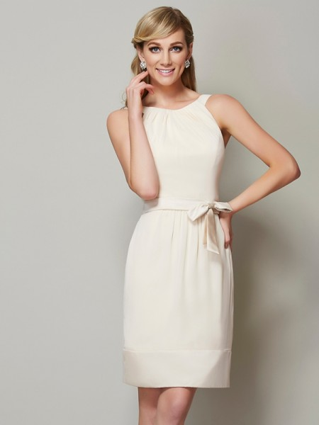 Column Scoop Knee Length Chiffon Bridesmaid Dress