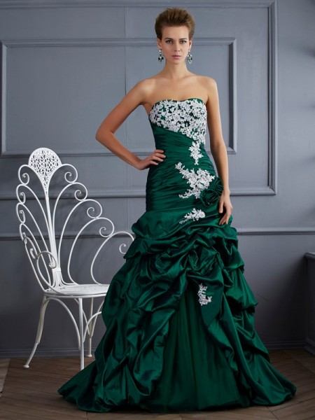 Ball Gown Strapless Applique Sweep Brush Train Taffeta Evening Wear