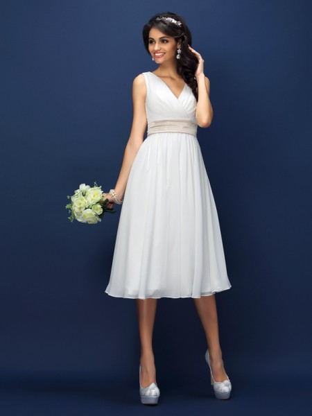 A-Line V-neck Pleats Sash/Ribbon/Belt Knee-Length Chiffon Bridesmaid Gown