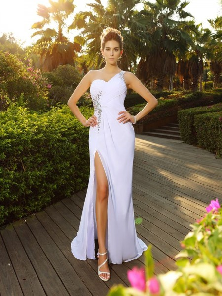 A-Line Beading One-Shoulder Court Train Chiffon Wedding Gowns
