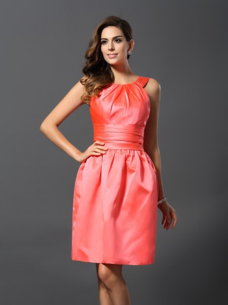 A-Line Bateau Knee-Length Satin Dresses For Bridesmaid