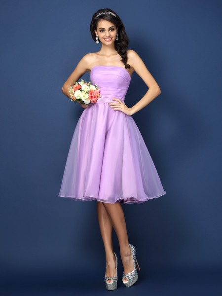 A-Line Strapless Pleats Knee-Length Satin Dresses For Bridesmaid