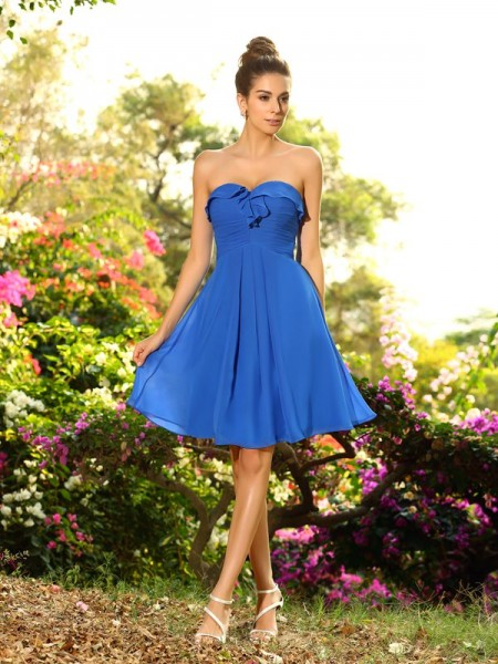 A-Line Sweetheart Chiffon Knee-Length Pleats Dresses For Bridesmaid