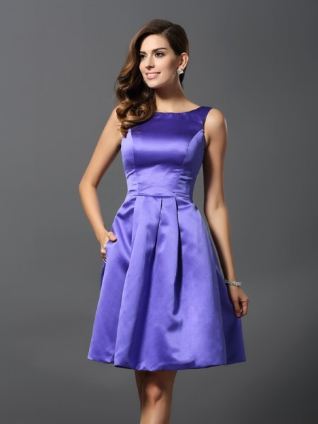 A-Line Scoop Knee-Length Satin Dresses For Bridesmaid