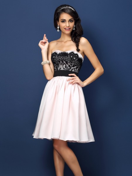 A-Line Sweetheart Ruched Knee-Length Satin Dresses For Bridesmaid