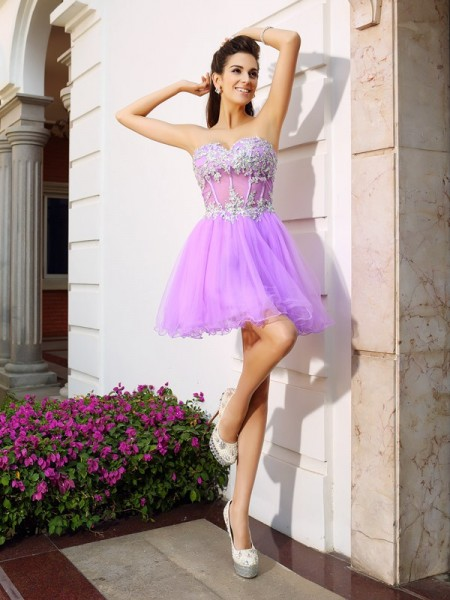 A-Line Organza Sweetheart Short Applique Beading Party Dress