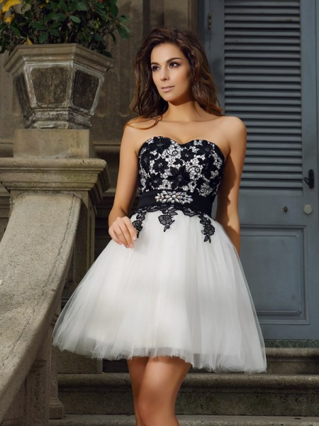 A-Line Sweetheart Tulle Applique Mini Attractive Gown