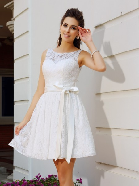 A-Line Scoop Lace Short Prom Dresses