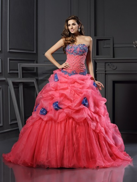 Ball Gown Beading Sweetheart Chapel Train Organza Women Gown