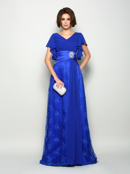 A-Line V-neck Short Sleeves Chiffon Sweep/Brush Train Applique Mother of the Bride Gown