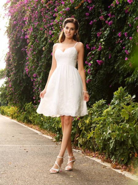 A-Line/Princess Spaghetti Straps Applique Sleeveless Knee-Length Lace Bridal Dress