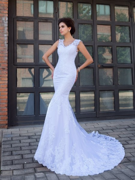 Princess Sheer Neck Beading Court Train Net Bridal Dresss