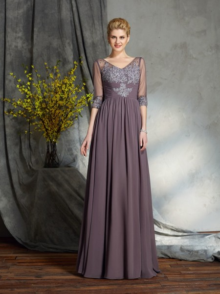 A-Line/Princess V-neck 1/2 Sleeves Chiffon Mother of the Bride Dress