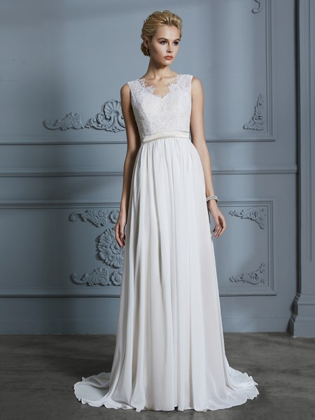 A-Line/Princess Chiffon V-neck Court Train Wedding Dress