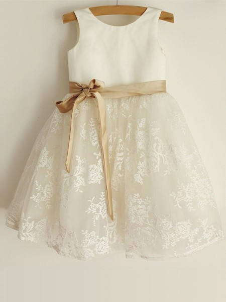 A-Line/Princess Scoop Lace Sleeveless Satin Knee-Length Flower Girl Dresses