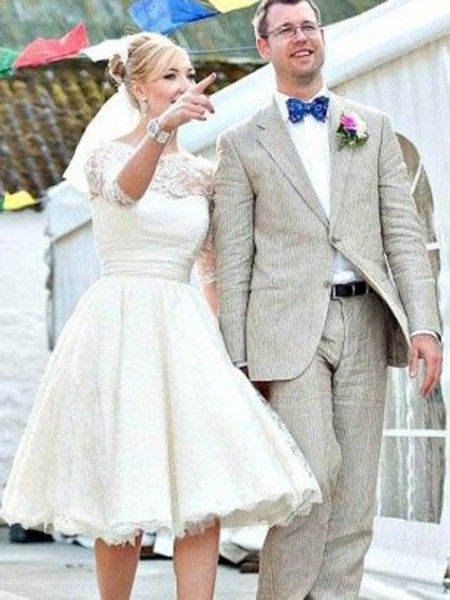 A-Line/Princess Scoop Knee-Length Lace Wedding Dress