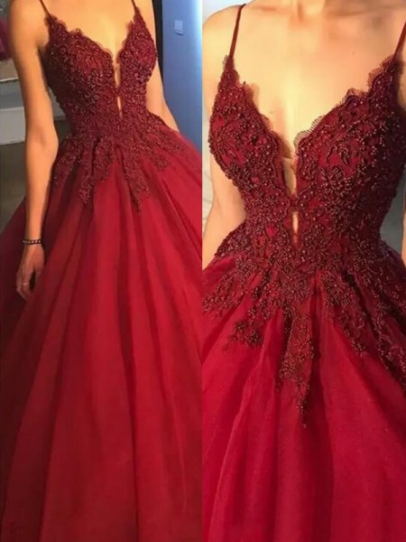 Ball Gown Sleeveless Spaghetti Straps Sweep/Brush Train Applique Tulle Dress