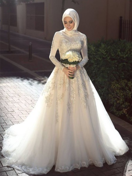 Ball Gown Jewel Long Sleeves Sweep/Brush Train Applique Wedding Dresses with Tulle