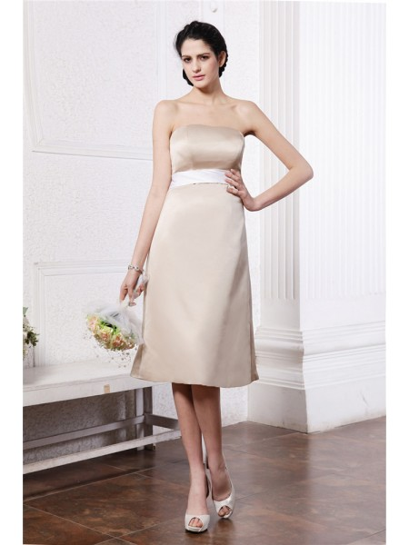 A-Line/Princess Strapless Sash Short Satin Bridesmaid Dress