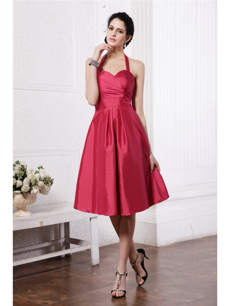 A-Line/Princess Halter Pleats Taffeta Bridesmaid Dress