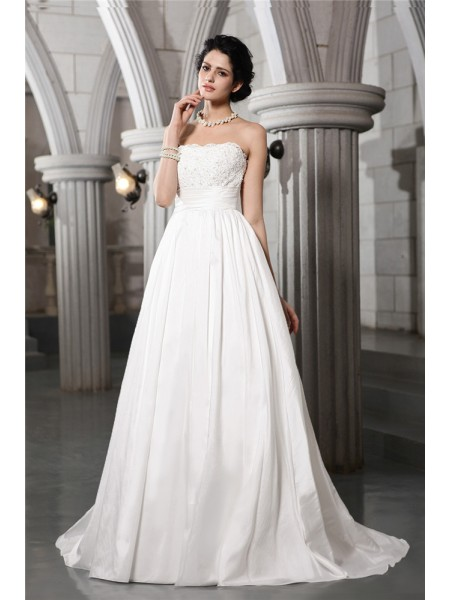 A-Line/Princess Strapless Applique Long Taffeta Wedding Dress