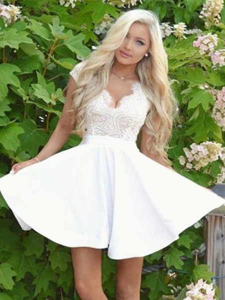 A-Line/Princess V-neck Satin Short/Mini Dress with Lace