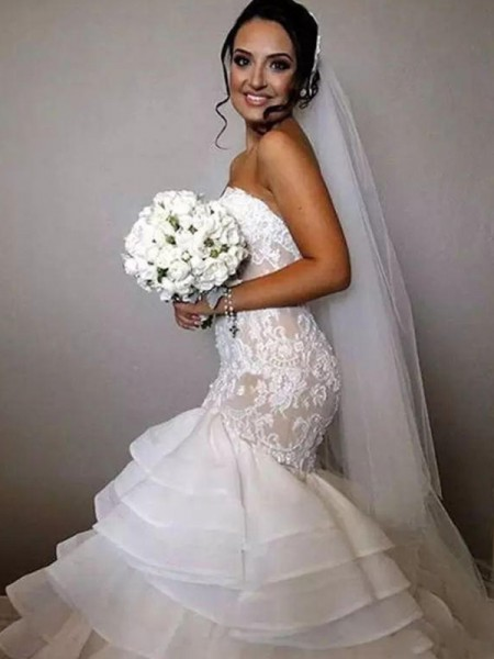 Trumpet/Mermaid Sweetheart Chapel Train Ruffles Applique Sleeveless Lace Organza Wedding Dresses