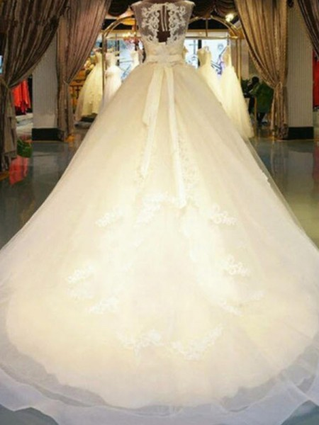 Ball Gown Sleeveless Sweep/Brush Train Off-the-Shoulder Sash/Ribbon/Belt Beading Applique Lace Wedding Dresses
