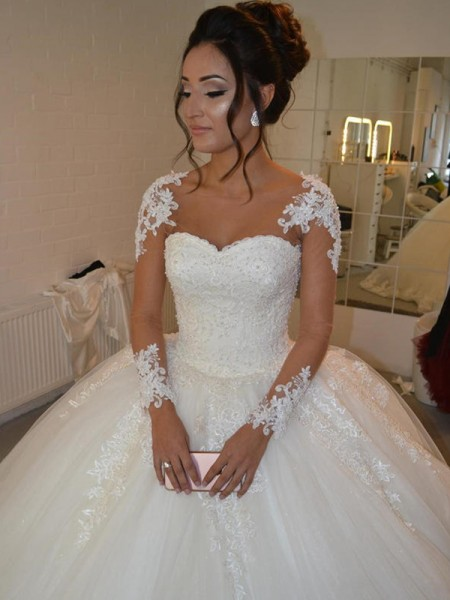 Ball Gown Tulle Long Sleeves Scoop Applique Court Train Wedding Dresses