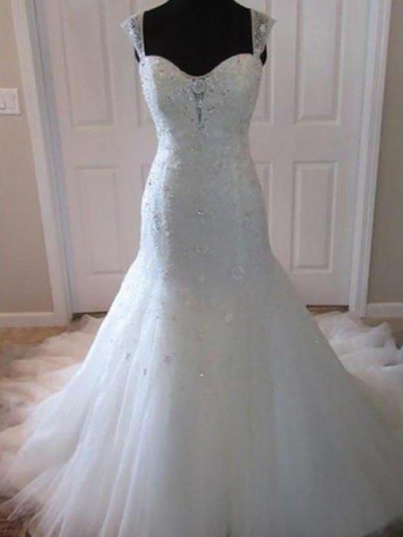 Trumpet/Mermaid Sweetheart Tulle Beading Sleeveless Court Train Wedding Dresses