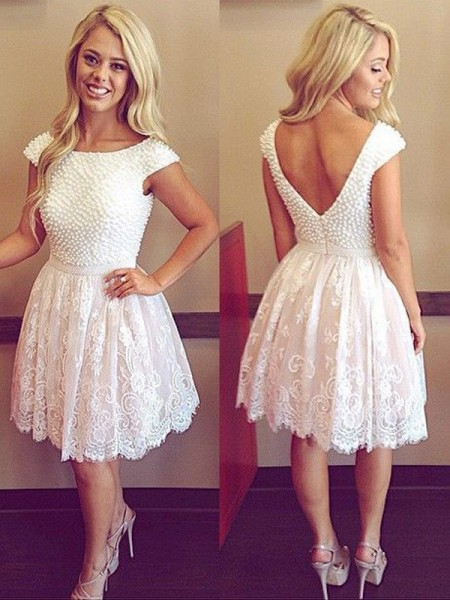A-Line/Princess Scoop Pearls Lace Short/Mini Dress