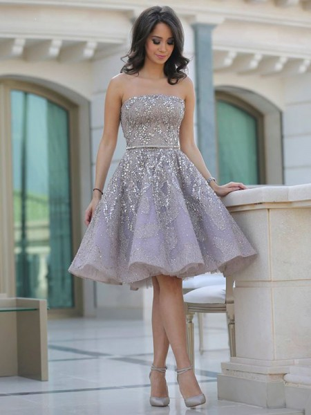 A-Line/Princess Strapless Sequin Knee-Length Tulle Dress