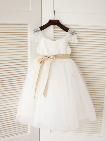 Cute Ball Gown Scoop Sleeveless Sash/Ribbon/Belt Tea-length Tulle Flower Girl Dress