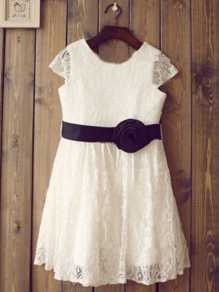 Princess Scoop Short Sleeves Hand-Made Flower Tea-length Lace Girl Dress