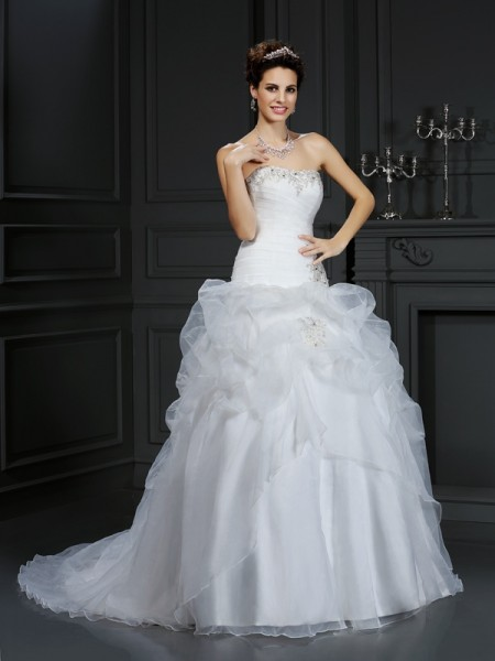 Ball Gown Strapless Beading Court Train Organza Wedding Gowns