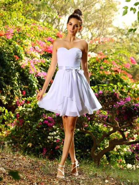 A-Line Sweetheart Chiffon Bowknot Short Bridesmaid Gown