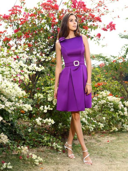 A-Line Satin Bowknot Scoop Knee-Length Dresses For Bridesmaid