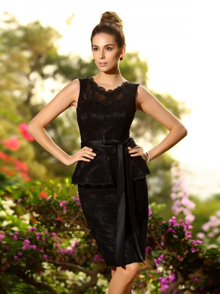 Sheath Satin Scoop Lace Knee-Length Dresses For Bridesmaid