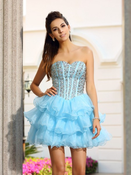 A-Line Sweetheart Organza Short Beading Party Dress