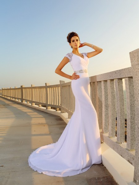 Sheath/Column V-neck Beading Sleeveless Court Train Chiffon Bridal Dress