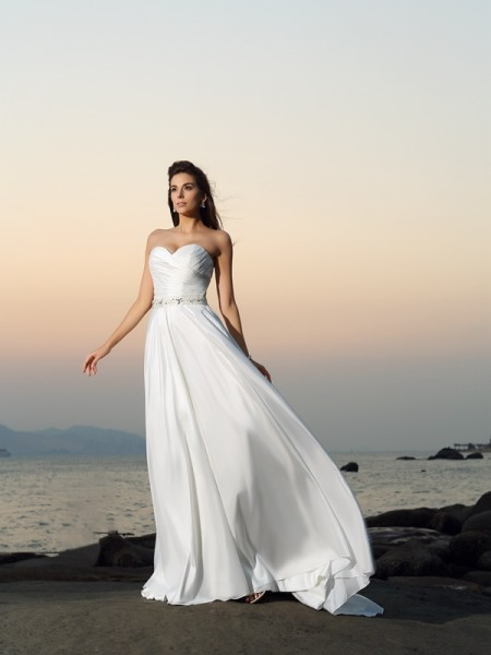 A-Line/Princess Sweetheart Beading Sleeveless Chapel Train Taffeta Bridal Dress