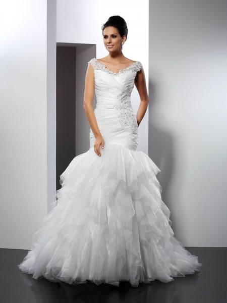 Trumpet/Mermaid V-neck Applique Sleeveless Cathedral Train Tulle Bridal Dress